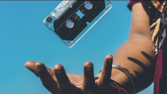 Spotify vergrößert sein Portfolio und möchte bald Podcasts mit Video anbieten.